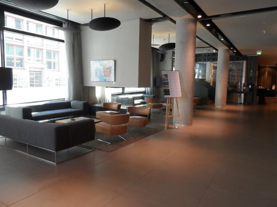 Barceló Hamburg: OTTIMO HOTEL
