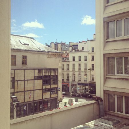 Hotel Etoile Saint-Honore by HappyCulture: View from Room