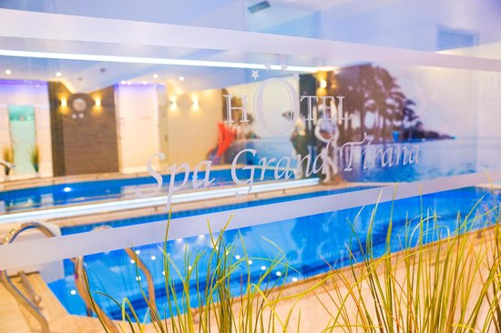 Grand Hotel & Spa Tirana: Indoor pool