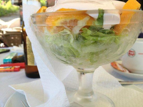 Toni's Pizza: Prawn salad