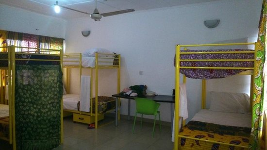 Agoo Hostel : Spacious 6 bed dorm.