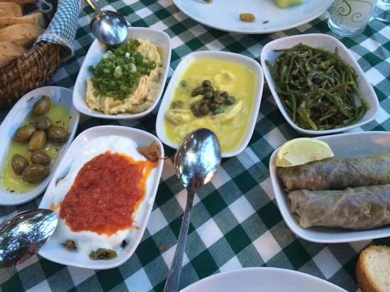 Bahce Balik Restaurant: Selection of mezes