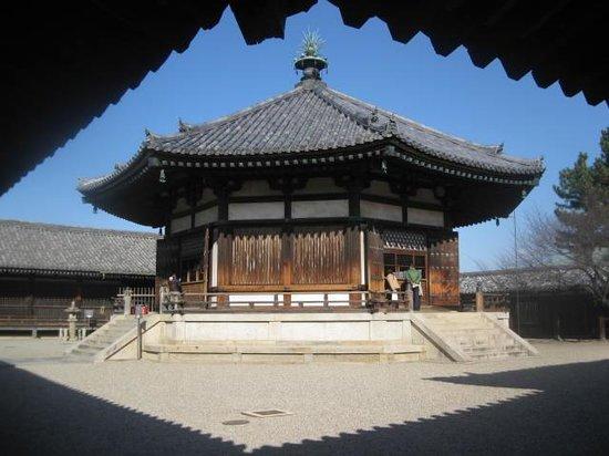 Horyuji Temple: Hall of Visions