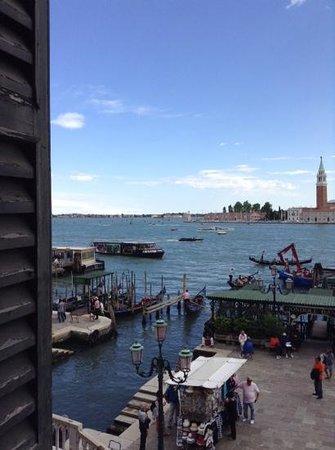 Hotel Danieli, A Luxury Collection Hotel: Quarto vista laguna!