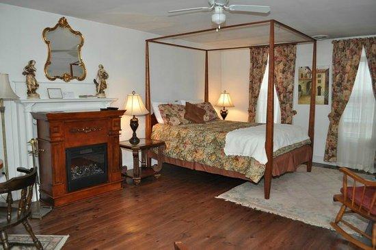 The Tilton Inn: Tilton Room 2