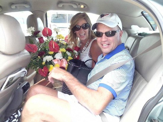 Jamaica Exquisite - Day Tours : Flowers for my wife on arrival - surprise!