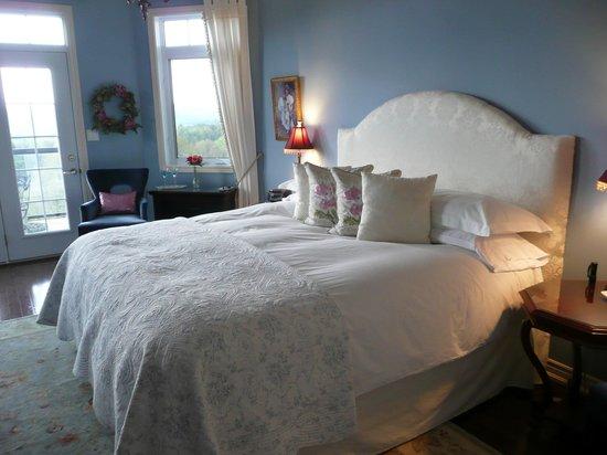 Benaaron Guest House: Sodalithe Suite