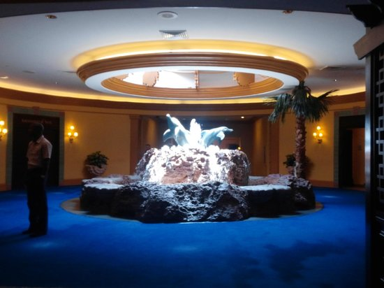 Atlantis Casino : Inside Atlantis