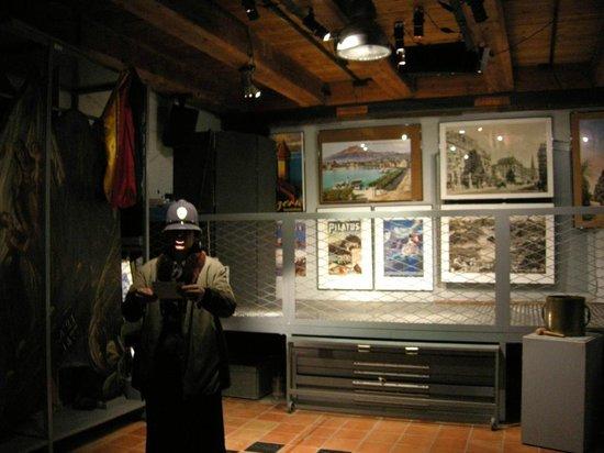 Historisches Museum Luzern: Polizei bei der Ankunft auf der Rigi
