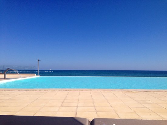Aktia Lounge Hotel & Spa : View from sunbed over the pool