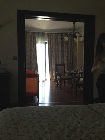Atrium Palace Thalasso Spa Resort & Villas : Вид из спальни номера Family suite