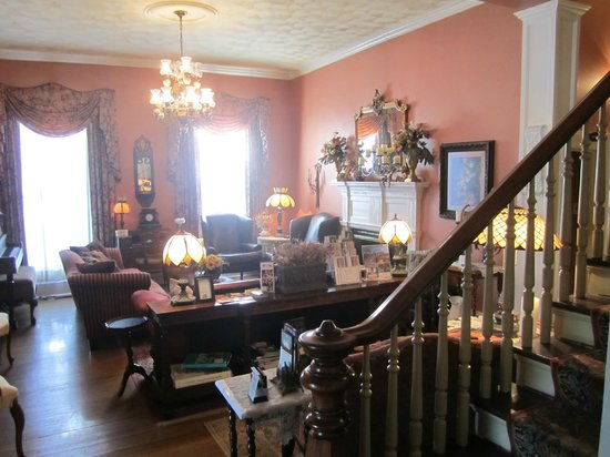 The Aerie Bed and Breakfast: Reception/Lounge