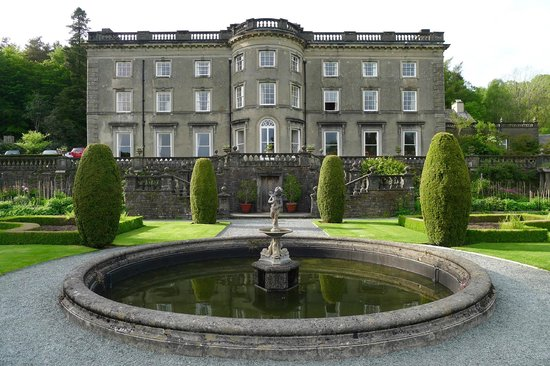 Rydal Hall and fountain