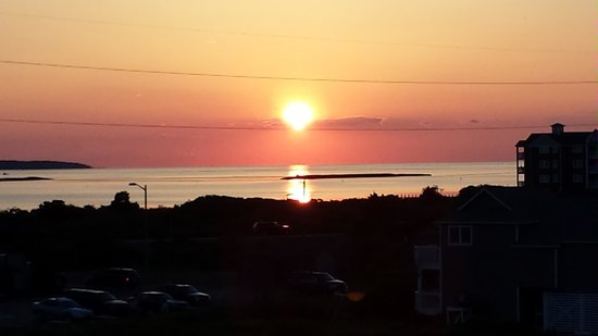 RelaxInn B&B: Sunset over the Sound - view from the observation deck