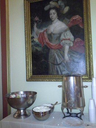Le Pavillon Hotel: Hot Cocoa and Ice Cold Milk