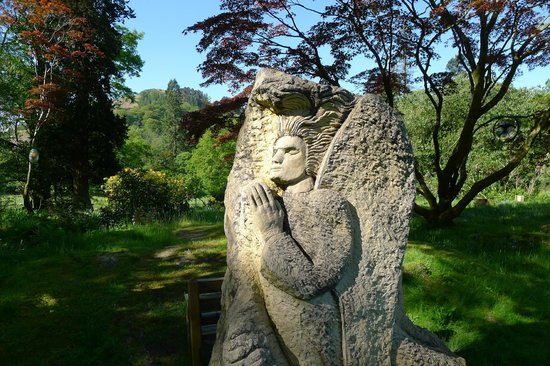 Rydal Hall: Sculpture in the grounds