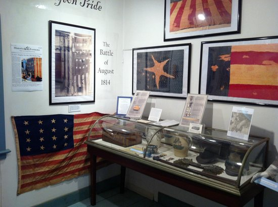 Old Lighthouse Museum : Flag room
