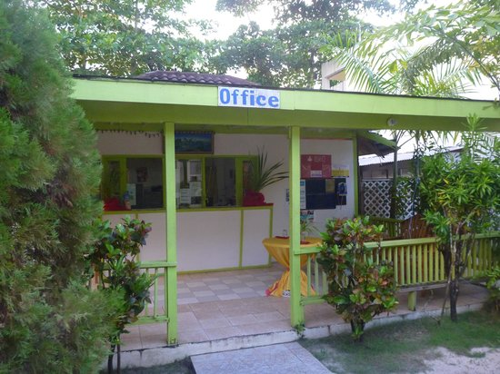 Fun Holiday Beach Resort : office
