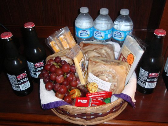 Arbor House Country Inn: free Welcome Basket