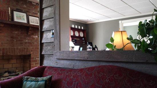 The Inn at Montross : public room vignette