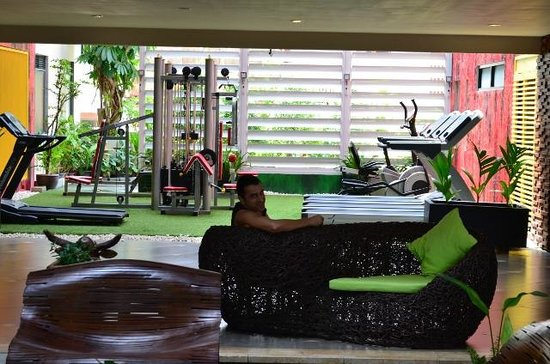 Baan Laimai Beach Resort : Gym