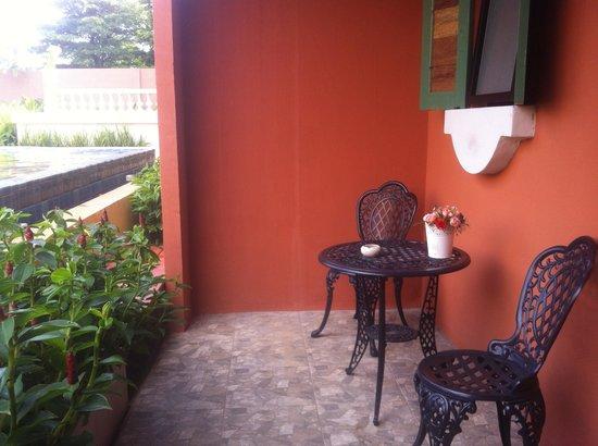 هوتل توسكانا تراد: balconcino con accesso piscina