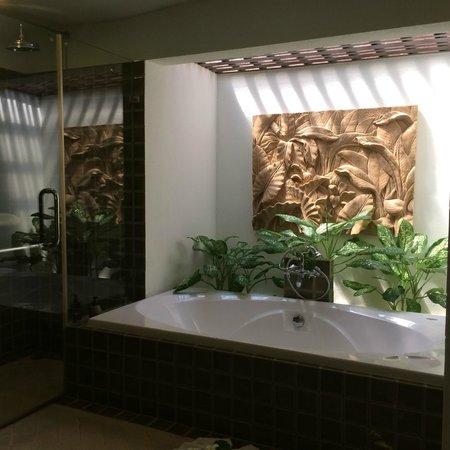 Fair House Villas & Spa: Bathroom