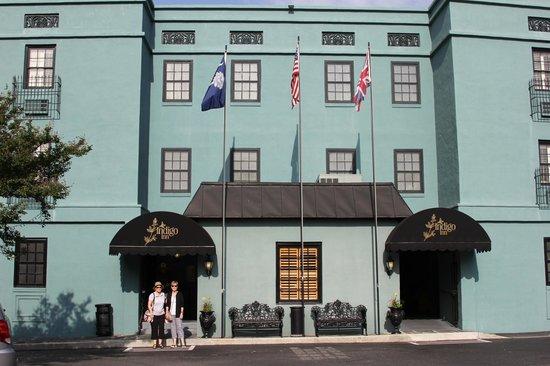 Indigo Inn: Hotel front