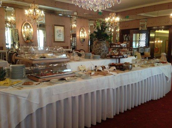 Bristol Hotel Salzburg: Frühstücksbuffet