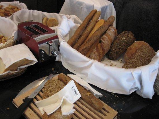 Thermalhotels & Walliser Alpentherme Leukerbad: amazing breads