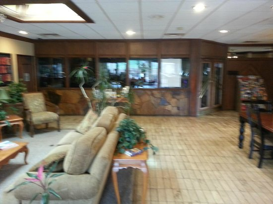 Quality Hotel: Lobby area for relaxation