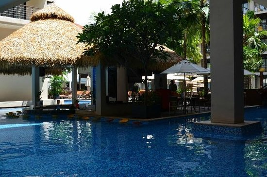 Baan Laimai Beach Resort : Pool View