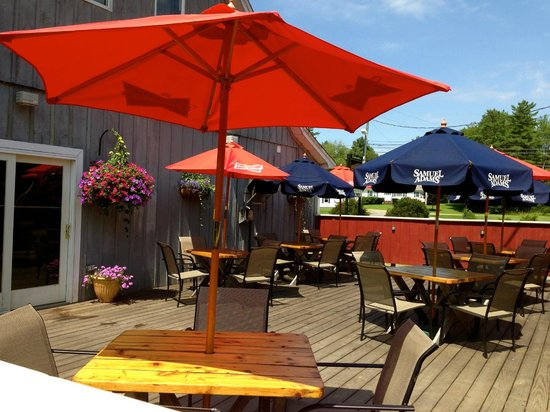 Bullwinkle's Family Steak House: Outdoor Seating