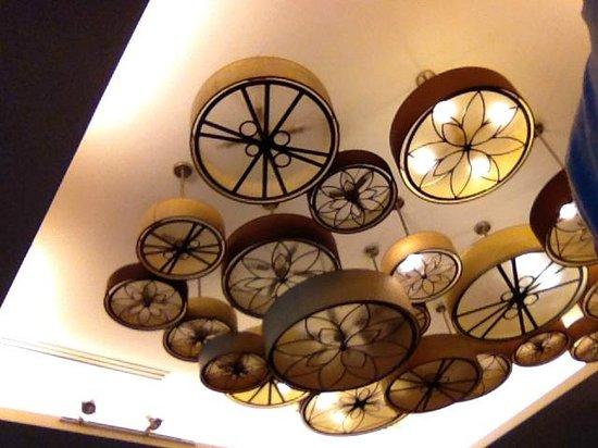 Century Langkawi Beach Resort: burnt out light bulbs everywhere