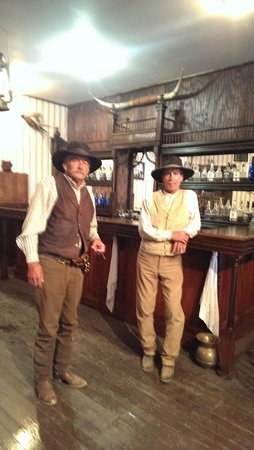 The Gunfight Palace : Authentic saloon setting