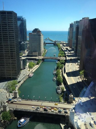 Trump International Hotel & Tower Chicago : View from room 2745