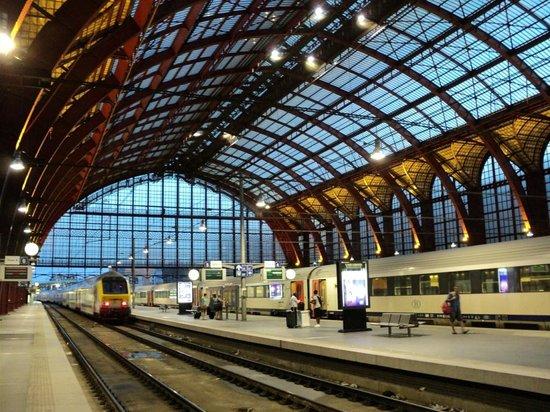 Gare centrale : Station Antwepen Centraal