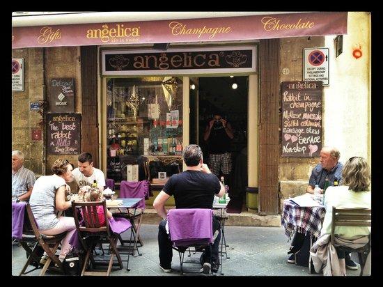 Angelica, Valletta