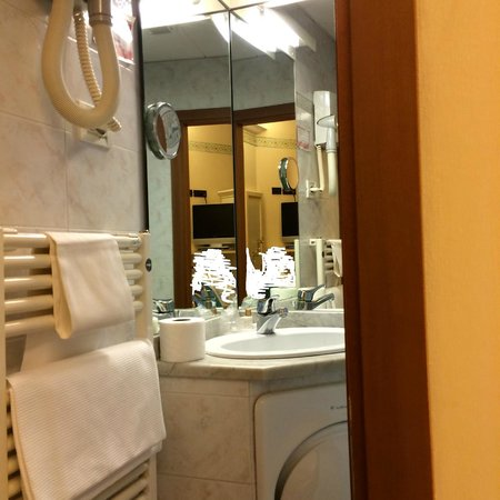 Hotel Casci: Bathroom