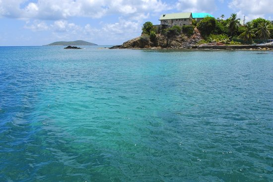 Bilinda Charters: Beautiful waters