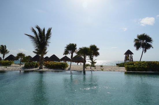 Secrets Maroma Beach Riviera Cancun: Main pool