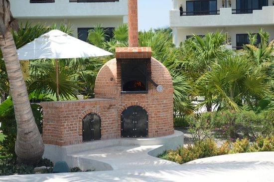 Secrets Maroma Beach Riviera Cancun: New pizza oven