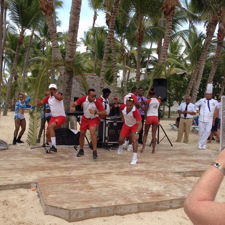 Hotel Riu Palace Punta Cana: The entertainment group keeps you entertained
