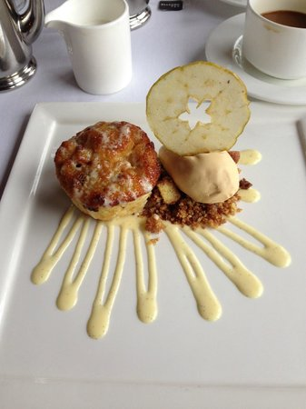 Grouse Mountain Grill: Apple bread pudding