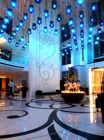 W Doha Hotel & Residences: w lobby