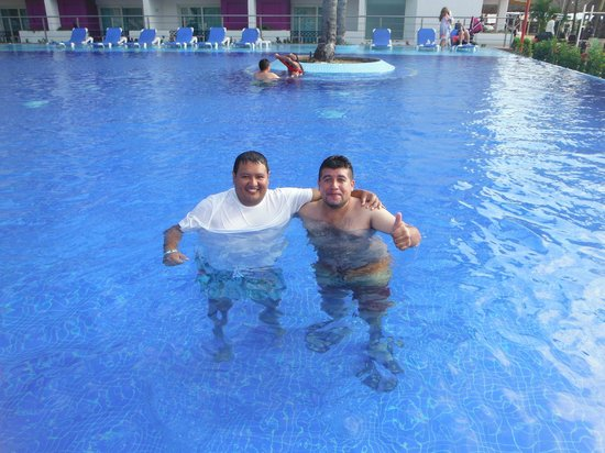 Crown Paradise Club Puerto Vallarta: alberca tipo infiinito