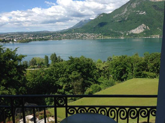 Les Tresoms Lake and Spa Resort: vue de la chambre coté lac