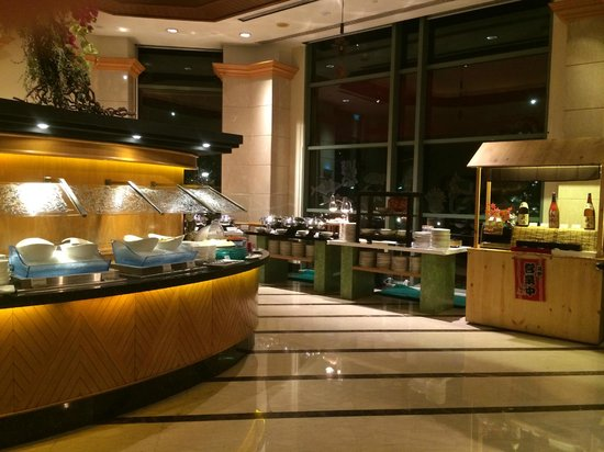 Grand Copthorne Waterfront Hotel: Breakfast