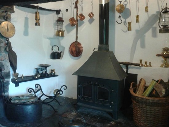 Lodfin Farm Bed & Breakfast: The Inglenook in the dining room