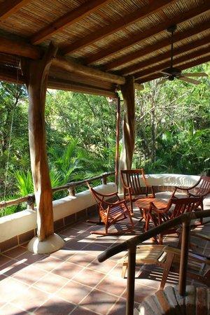 Pelican Eyes Resort & Spa: patio at our villa